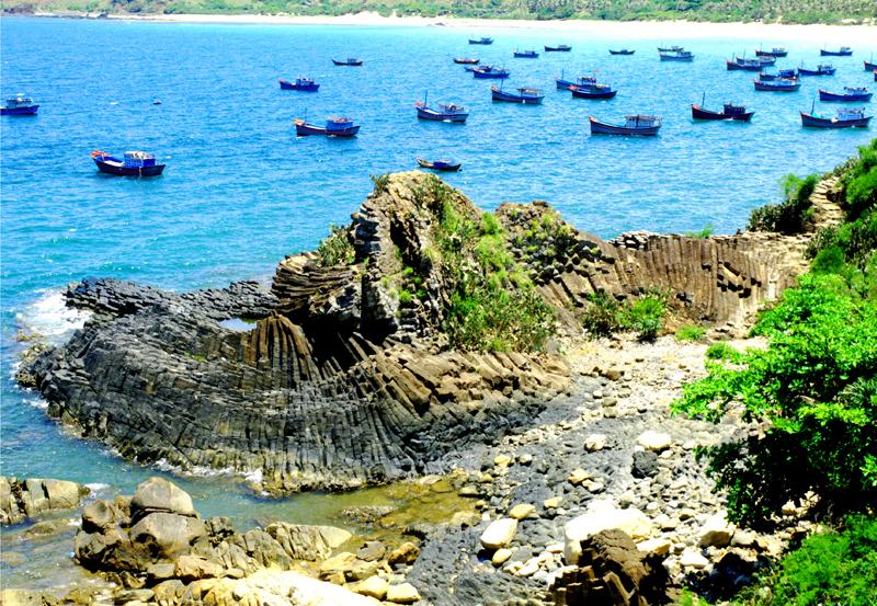 Phú Yên - Biển xanh mời gọi